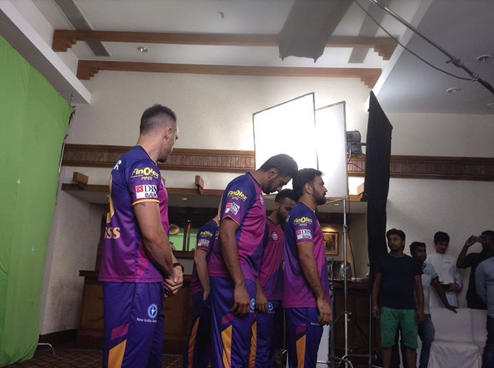 A behind the scene pic from Rising Pune Supergiants' shoot.