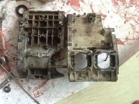 Ok back to work now,have to clean these two.this will be my 1st ever restoration work. http://t.co/w8nwlHp28N
